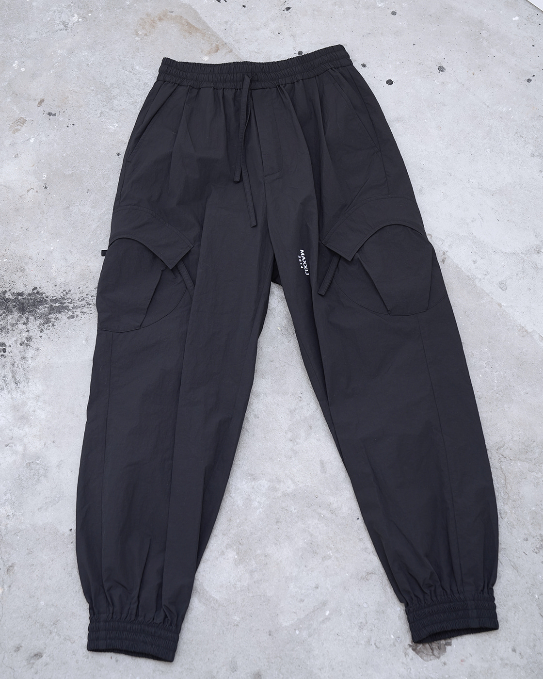 Black Signature Pocket Light Weight Fabric Cargo Track Pants
