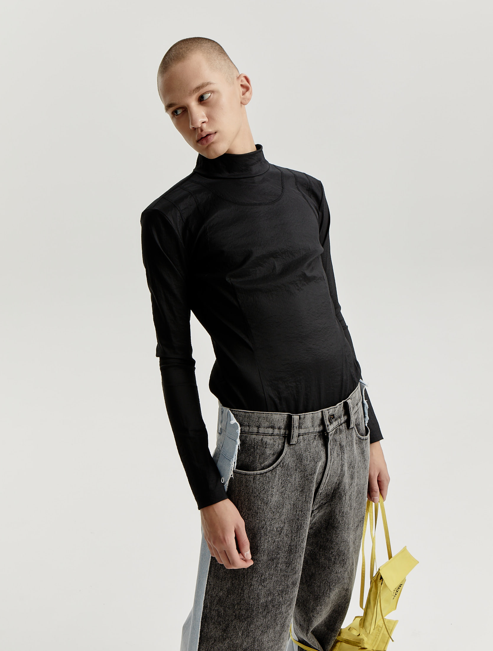 Black Bodyfitted Woven Top